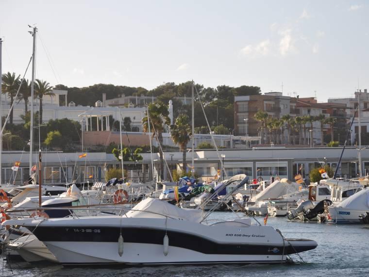 Amarre en alquiler mes en port torredembarra de tarragona 8x3m 49495 cosas de barcos - Alquiler de pisos en torredembarra ...