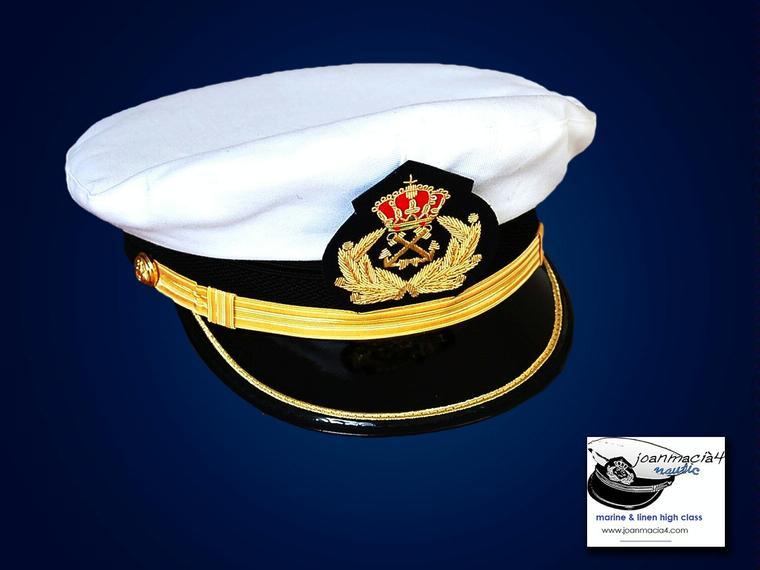 GORRA DE PLATO CAPITÁN DE YATE Mod Armada Moda y complementos cf857fc4643