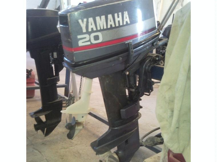 motor fueraborda yamaha 20 cv por 300 u20ac    de segunda mano