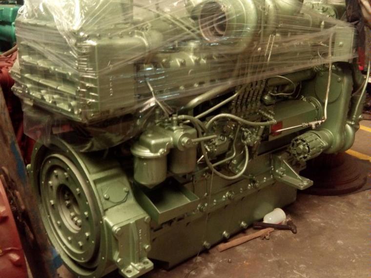motor marino guascor sf360 de 1180 c v de segunda mano