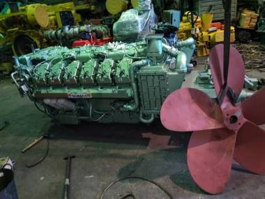 marine engine GUASCOR E318 780 CV WITH GEARBOX Motores