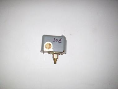 Presostato para bomba de agua outlet de segunda mano 70565 for Presostato bomba agua