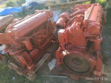 2x IVECOS MARINOS 8261 SRM 32 DE 320 HP A 2400 R.P.M Motores