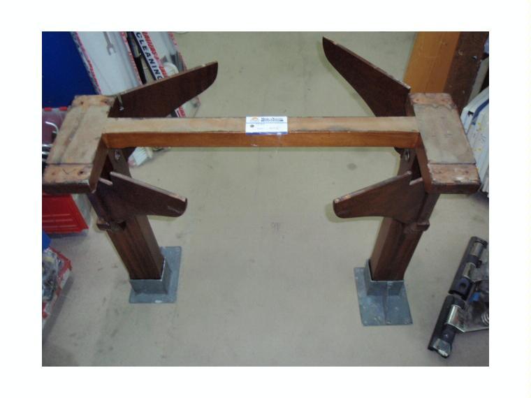 Pies para mesa plegable en madera c base de segunda mano Fabrica de bases para mesas