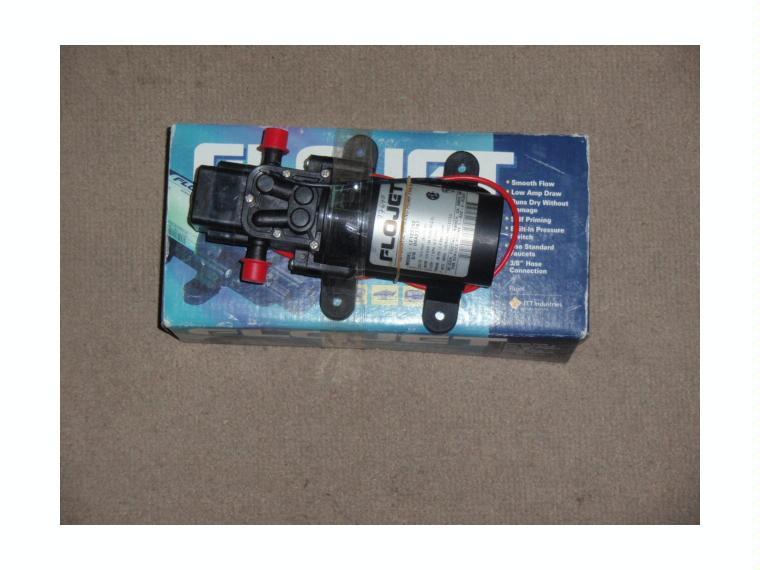 Bomba presion agua flojet 12v 4 3lpm outlet em segunda m o - Bomba presion agua ...
