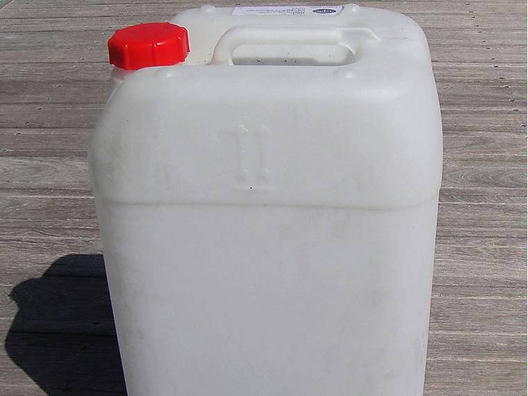 26 bidones para agua gasoil 25 28 litros otros 67685 for Bidones para agua