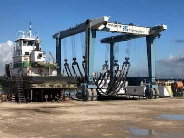Marine Travelift 400C Equipamiento de puertos