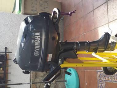 Vendo Motor Fueraborda Yamaha F6CMHS, 6CV, 5 horas de uso Motores