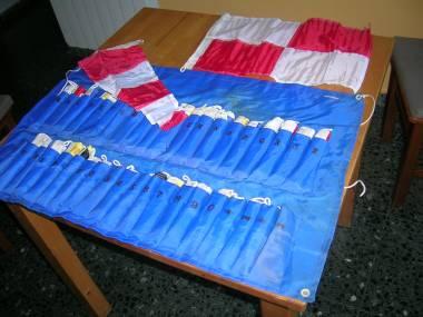 Juego completo banderas del codigo internacional de señales. Navegación