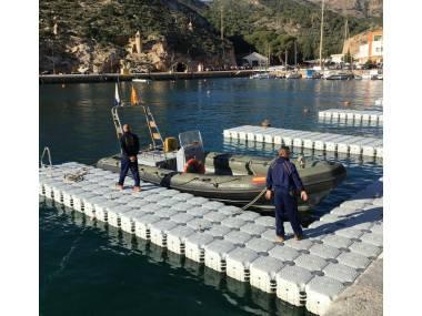 PANTALANES FLOTANTES Equipamiento de puertos