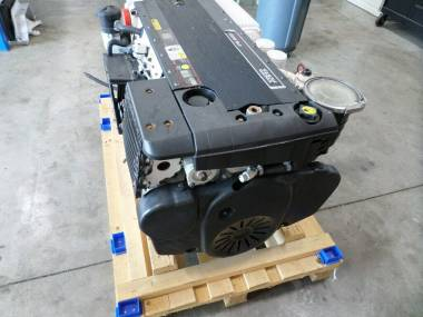 TWO MARINE ENGINE VOLVO D6 OF 435 HP Motores