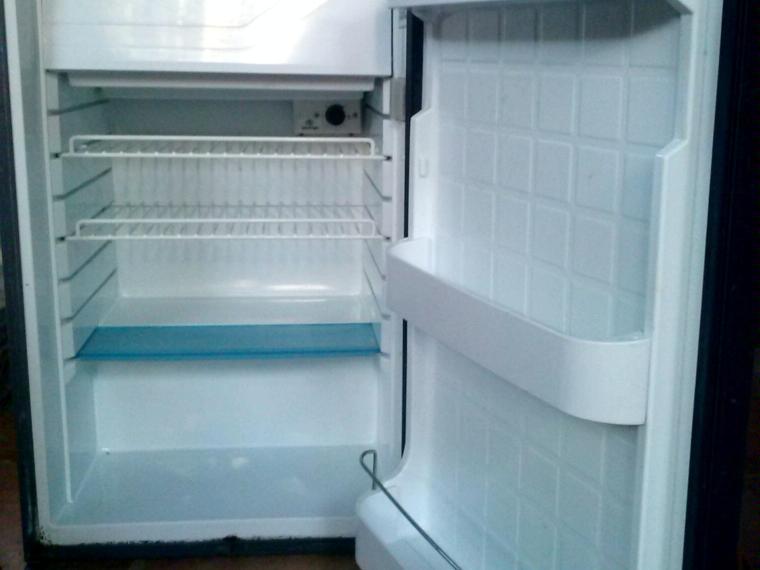 Nevera congelador vitrifrigo de segunda mano 50555 cosas for Neveras pequenas con congelador