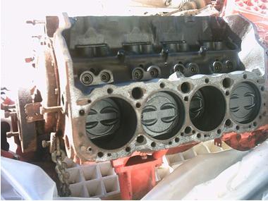 bloque-motor GM-Volvo 570A ; V8 240 C.V. Motores