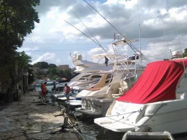 Amarre de Barcos Equipamiento de puertos
