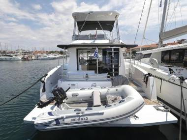 MY 37 Fountaine Pajot