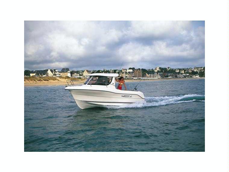 Quicksilver Captur 640 Pilothouse Barco de pesca/paseo