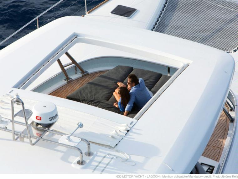 Lagoon 630 MY Catamarán a motor