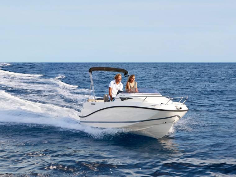 Quicksilver Activ 505 Cabin Embarcação cabinada