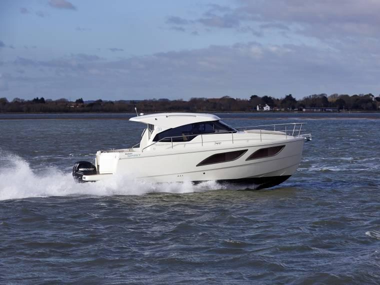 Rodman Spirit 31 Hardtop Outboard Version Embarcação cabinada