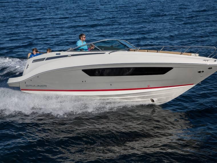 Bayliner 842 Cuddy Embarcación cabinada