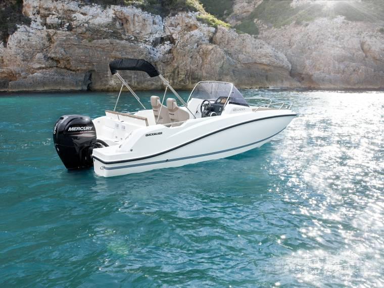 Quicksilver Activ 605 Sundeck Embarcación cabinada