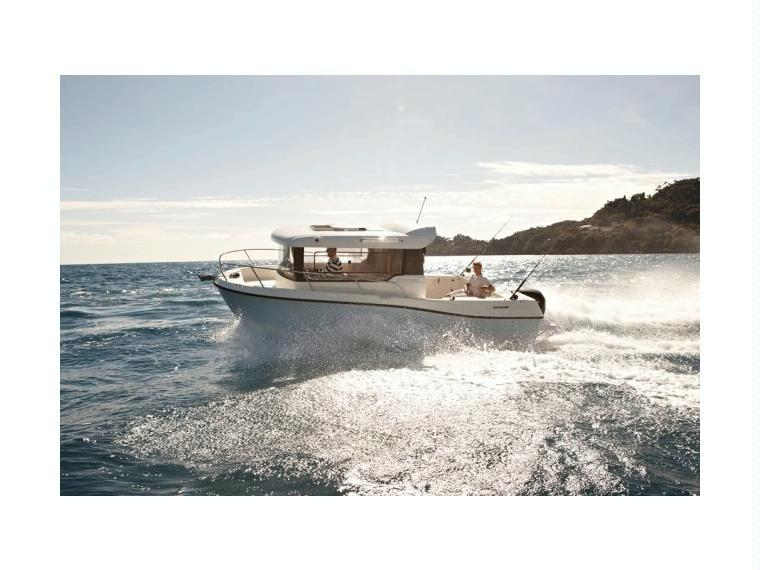 Quicksilver Captur 675 Pilothouse Barco de pesca