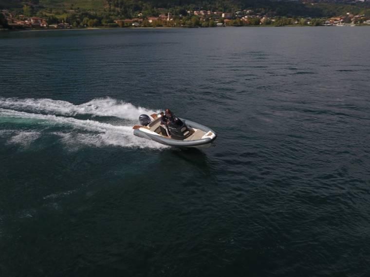 Lomac Adrenalina 7.0 Embarcación semirrígida