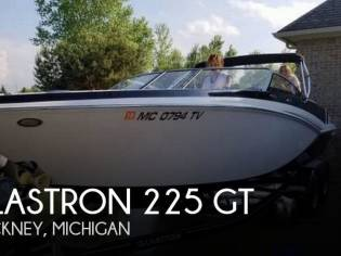 Glastron 225 GT
