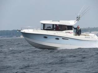 Quicksilver 905 Capture Pilothouse