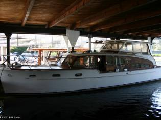 Chris-Craft 46 Double Cabin Flybridge