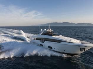 Ferretti Yachts F960