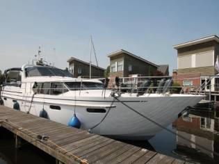 Van Den Hoven Pacific Allure 155