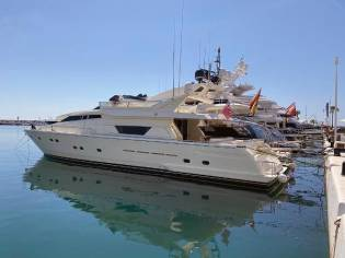Ferretti Yachts 80