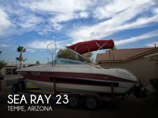 Sea Ray 240 Signature Overnighter