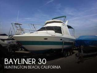 Bayliner 3058 Ciera Command Bridge