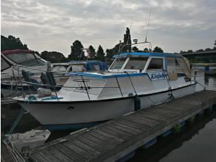 Reisemotoryacht Bernau in 1 a Zustand, Halbgleiter