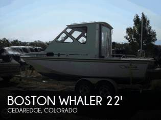 Boston Whaler Revenge 22 Cuddy