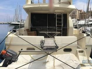 Ferretti Yachts 48 FLY