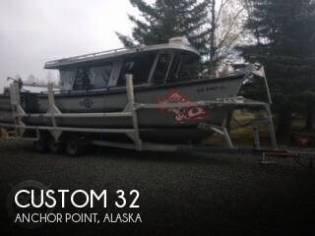 Custom 30 CABIN CRUSER