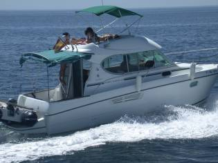 JEANNEAU MERRY FISHER 805 CON FLY
