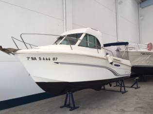 Beneteau Antares 695 Fishing