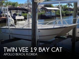Twin Vee 19 Bay Cat