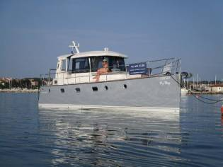 Custom Independence Cruiser 39
