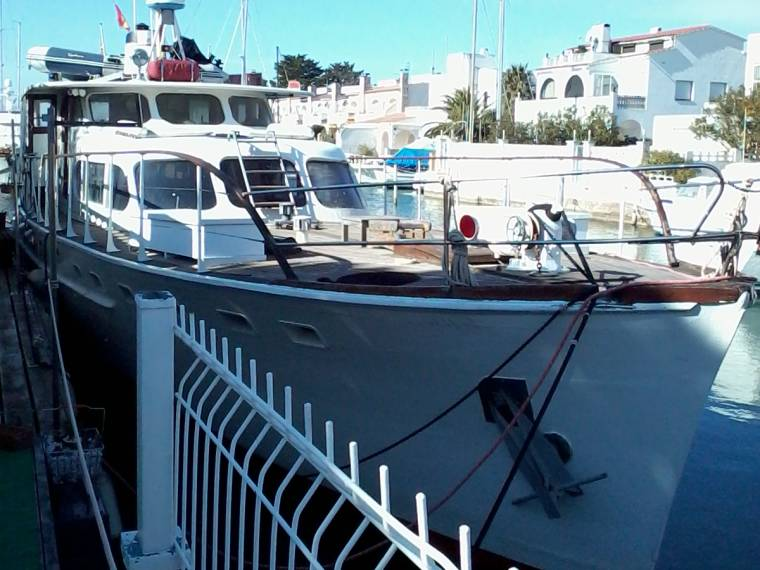 TRAWLER 65' TRADITIONNEL place de port possible