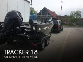 Tracker Targa V18 WT