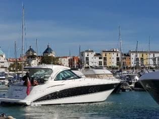 Cruisers Yachts 390 Sports