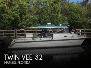 Twin Vee 32 Weekender