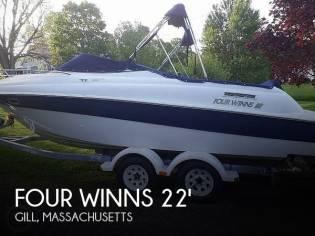 Four Winns 225 Sundowner