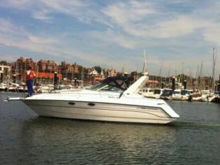 Chaparral Boats Signature 330