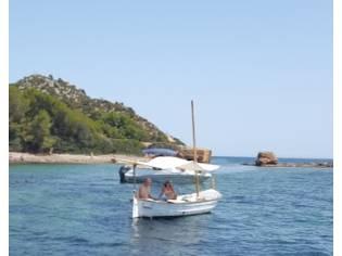 Llaut con amarre a Bonaire